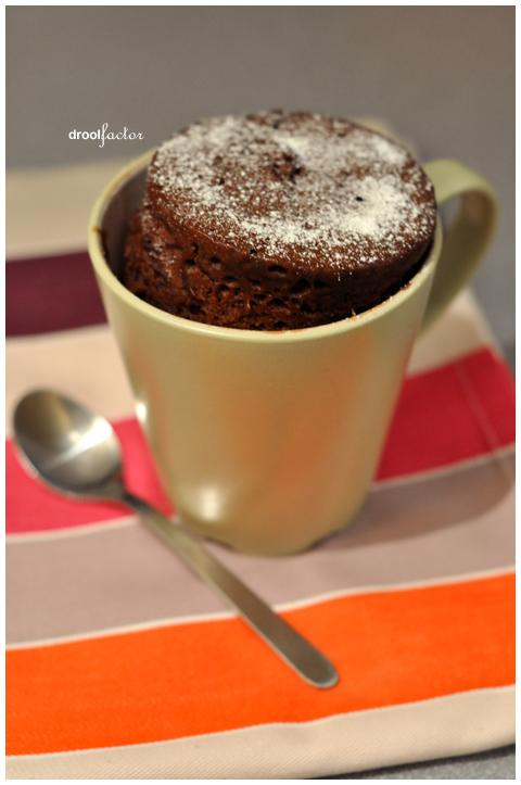 5-minute chocolate mug cake | droolfactor